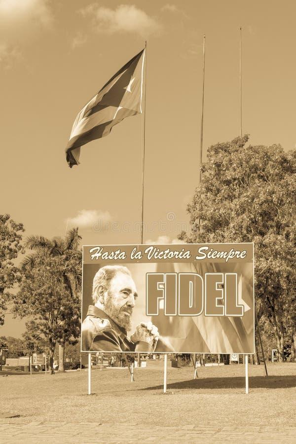 Affiche avec l'image du drapeau de Fidel Castro et de Cubain en Santa Clara, photos libres de droits