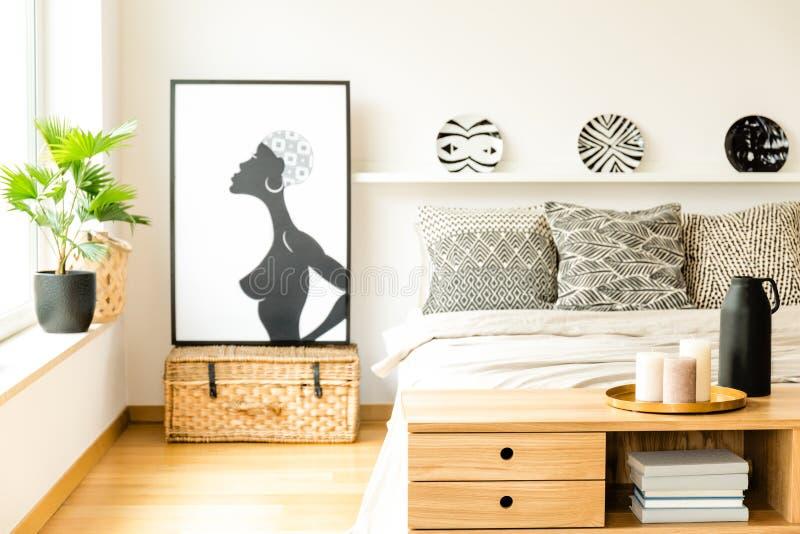 Affiche in comfortabel slaapkamerbinnenland stock foto