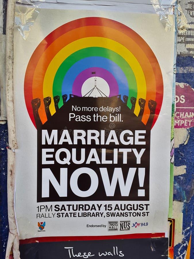 Affiche de campagne d'égalité de mariage sur une rue image stock