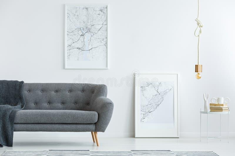 Affiches élégantes de sofa et de carte photos libres de droits