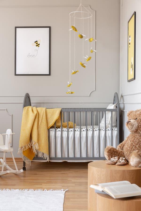 Affiches Sur Les Murs De La Chambre à Coucher De Bébé Avec ...