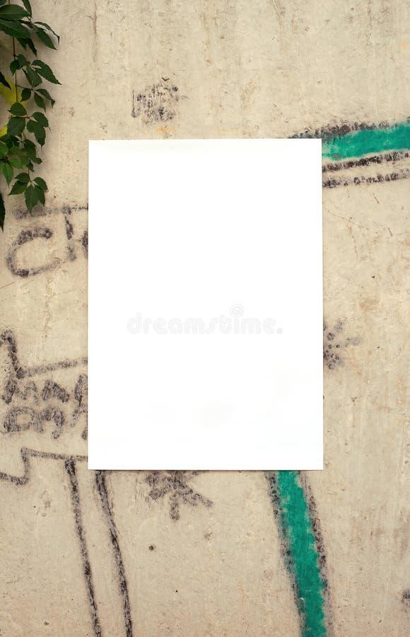 Affisch på väggmallen royaltyfri foto