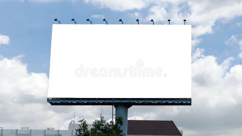 Affischtavla med den tomma skärmen royaltyfria bilder