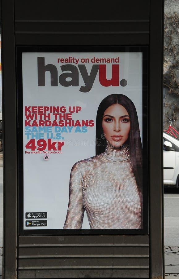 Affischtavla med kardashians fotografering för bildbyråer