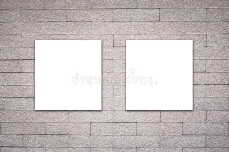 Affischtavla på tegelstenväggen fotografering för bildbyråer