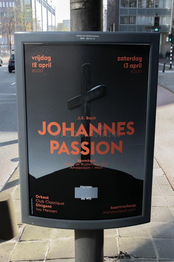 AffischtavlaJohannes Passion At The Roomkerk kyrka p? Amsterdam Nederl?nderna 2019 arkivfoton