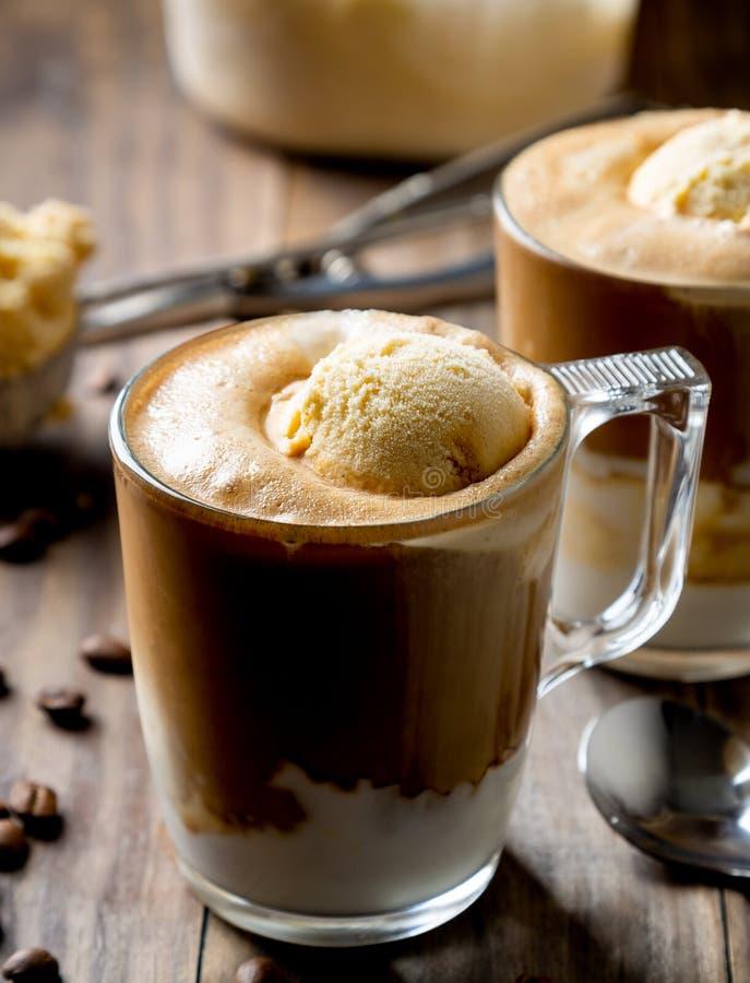 Affogato,与香草冰淇淋的咖啡 图库摄影