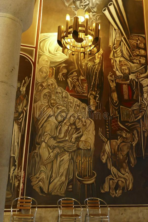Affreschi moderni sulle pareti interne della cattedrale patriarcale immagini stock