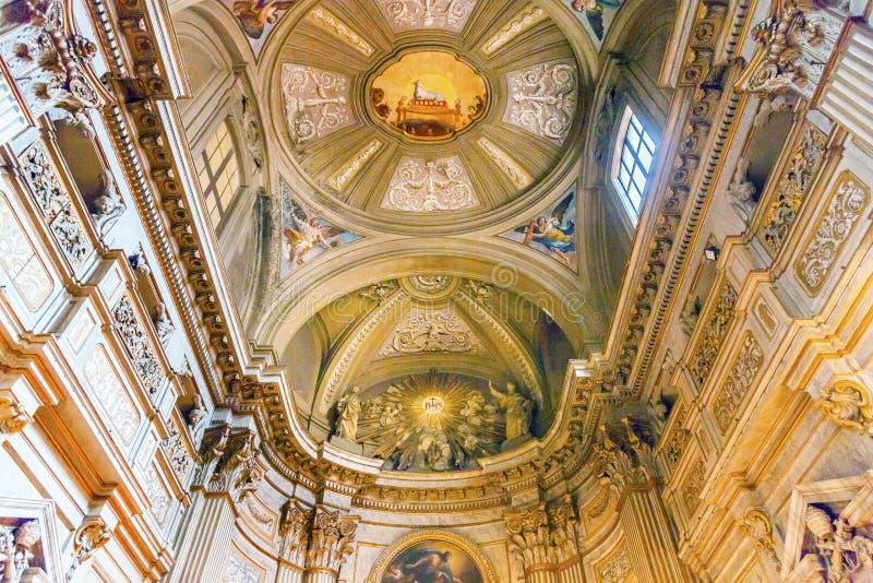 Affreschi Vincenzo Anastasio Church Rome Italy del soffitto immagine stock libera da diritti