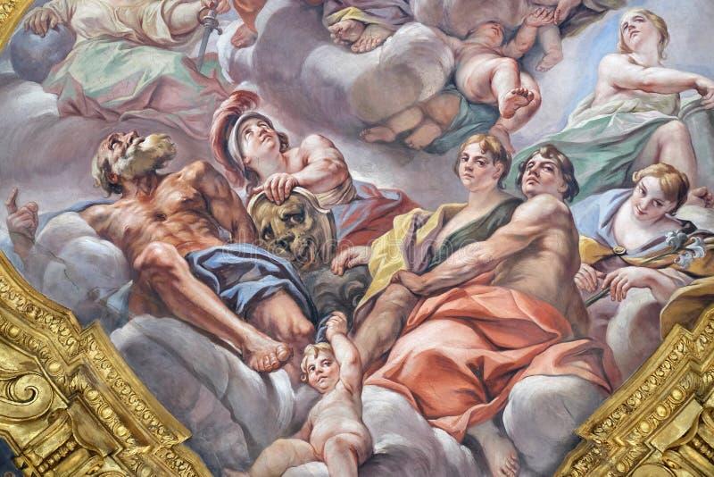 Affresco delle virtù sulla piccola cupola della navata laterale in dei Santi Ambrogio e Carlo al Corso, Roma della basilica fotografia stock libera da diritti