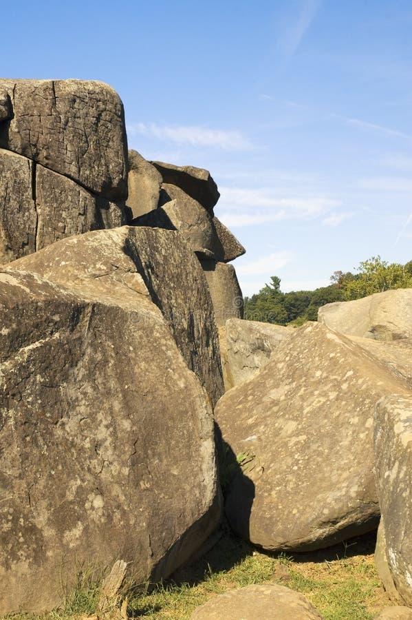 Affronti nel PA del campo di battaglia di Gettysburg della tana del diavolo delle rocce immagini stock libere da diritti
