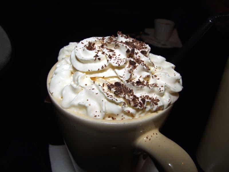 Afgeroomde hete koffie royalty-vrije stock afbeeldingen