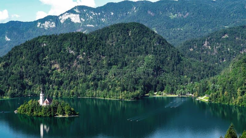 Afgetapt meer en Julian Alps in Slovenië, fantastische luchtmening, toeristische attractie royalty-vrije stock afbeeldingen