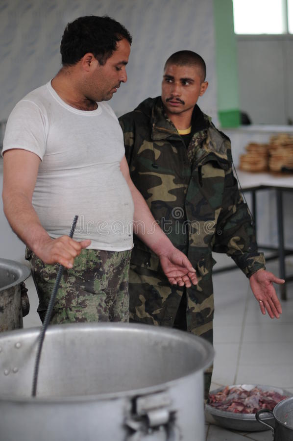 Download Afghan Soldiers Cooking A Lunch Editorial Image - Image: 23550935