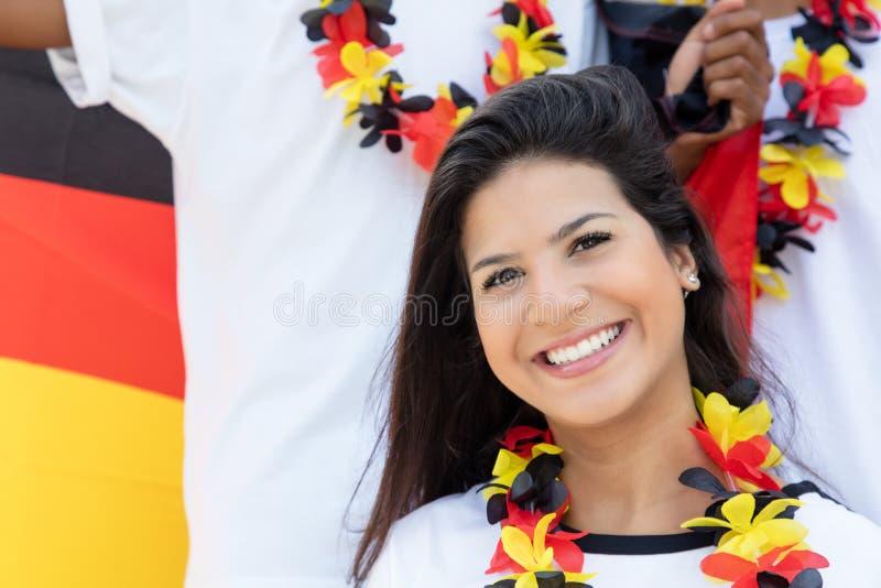 Aficionado al fútbol alemán joven en el estadio imagen de archivo