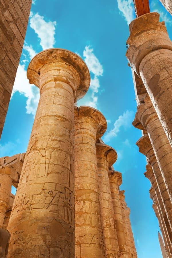 africa błękitny Egypt karnak Luxor pilonu nieba świątynia zdjęcie stock