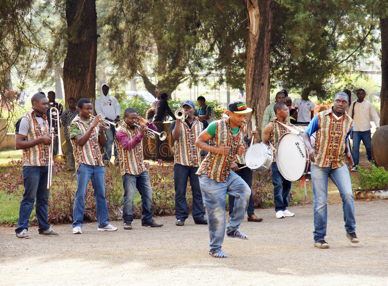 Download African Music Band And Dancers Editorial Photo - Image: 34922286