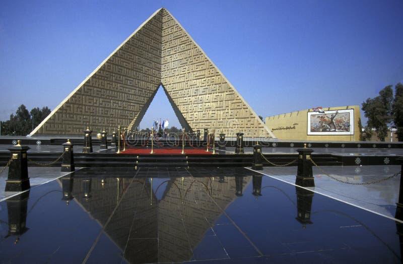 AFRIKA EGYPTEN KAIROSADAT MONUMENT arkivfoton