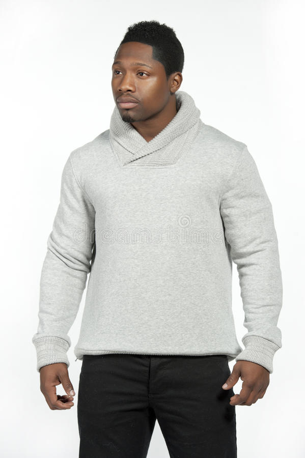 Afrikaans Amerikaans Mannetje in Gray Sweater stock afbeelding