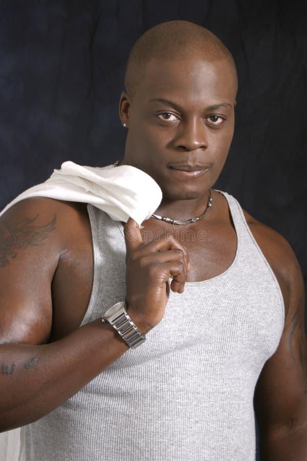 Afrikaans Amerikaans Mannetje in Mouwloos onderhemd stock foto