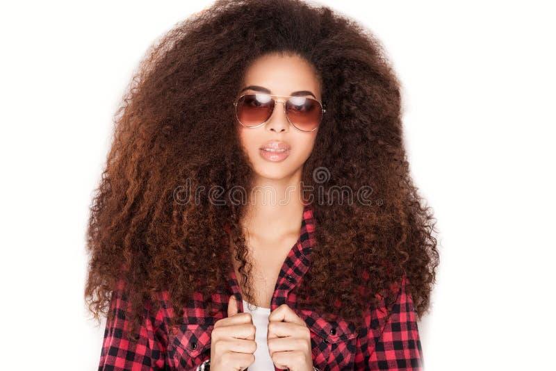 Afrikaans Amerikaans meisje in zonnebril royalty-vrije stock foto