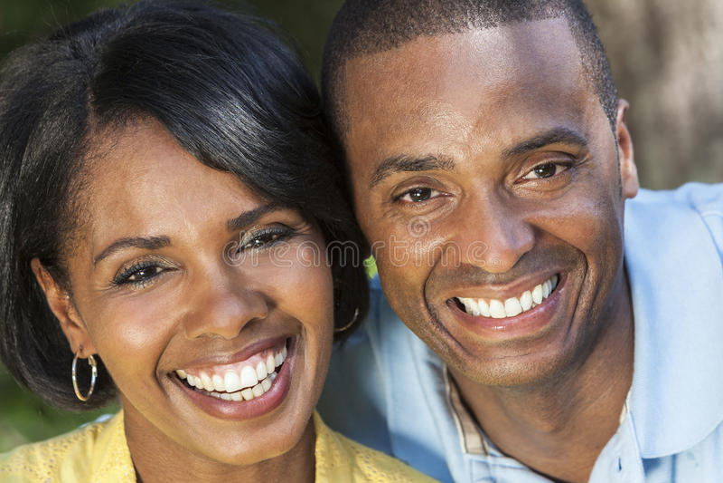 Afrikaans Amerikaans Vrouw & Man Paar stock foto