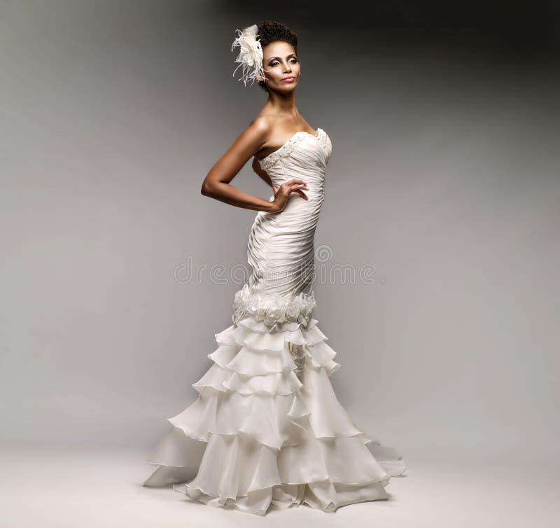 Afrikaans-Amerikaanse bruid royalty-vrije stock foto