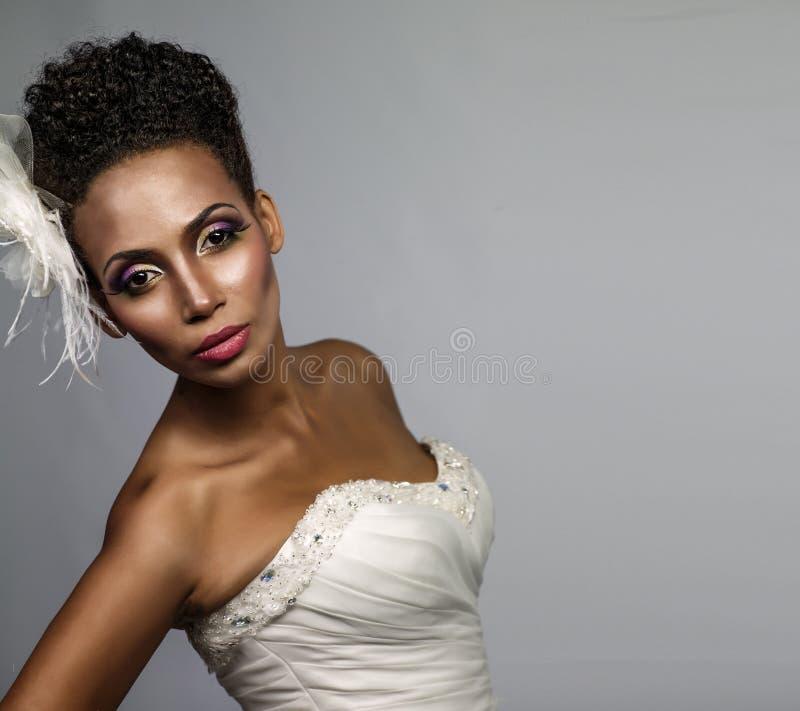 Afrikaans-Amerikaanse bruid stock foto's