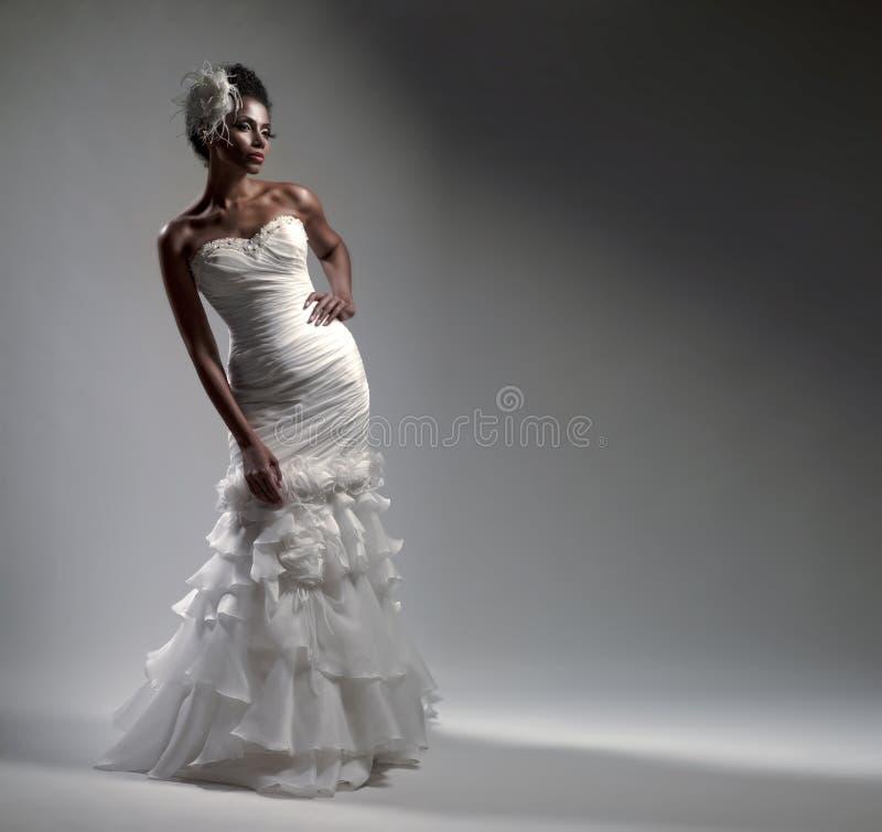 Afrikaans-Amerikaanse bruid stock afbeeldingen