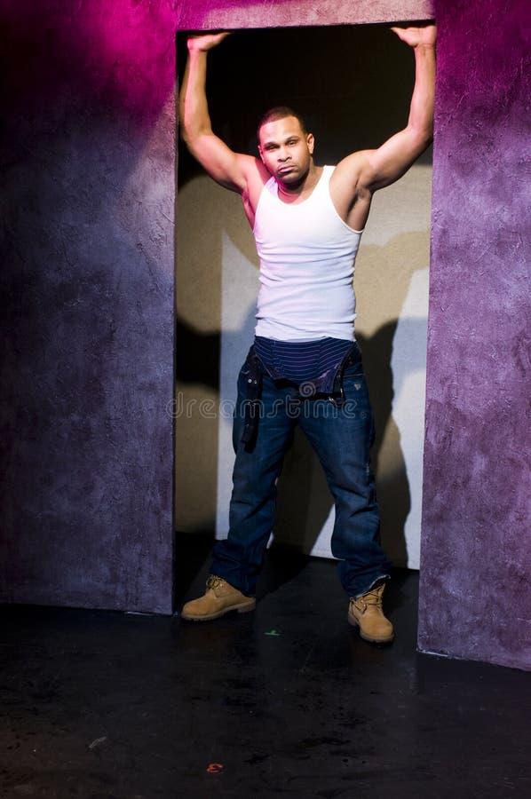 Afrikaanse Amerikaanse acteur op het portret van het stadiumtheater royalty-vrije stock foto