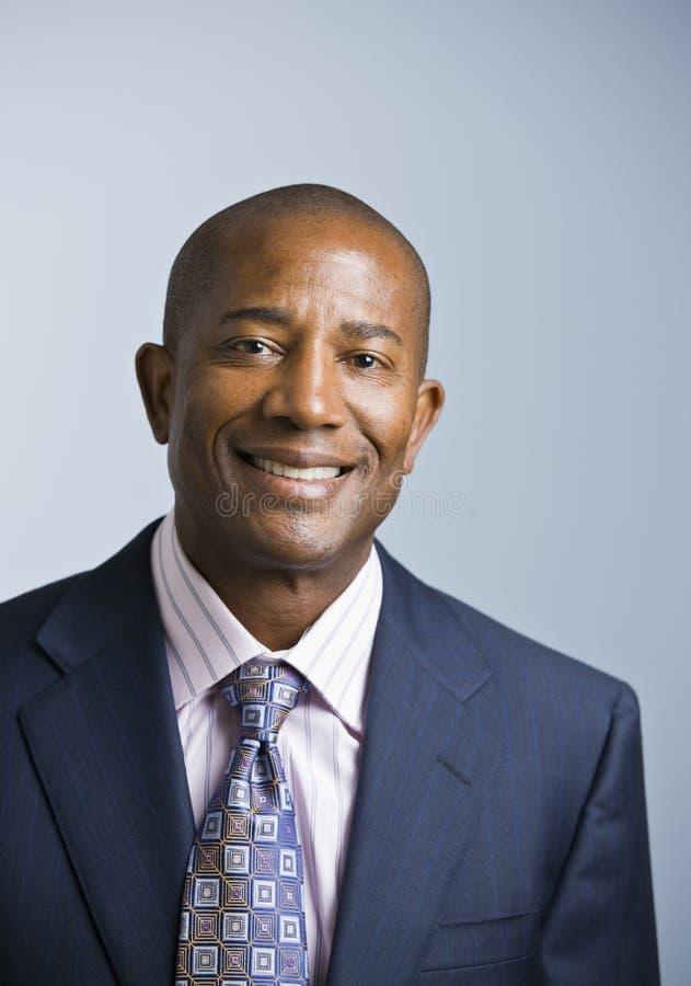 Afrikaanse Amerikaanse mannelijke zakenman stock foto