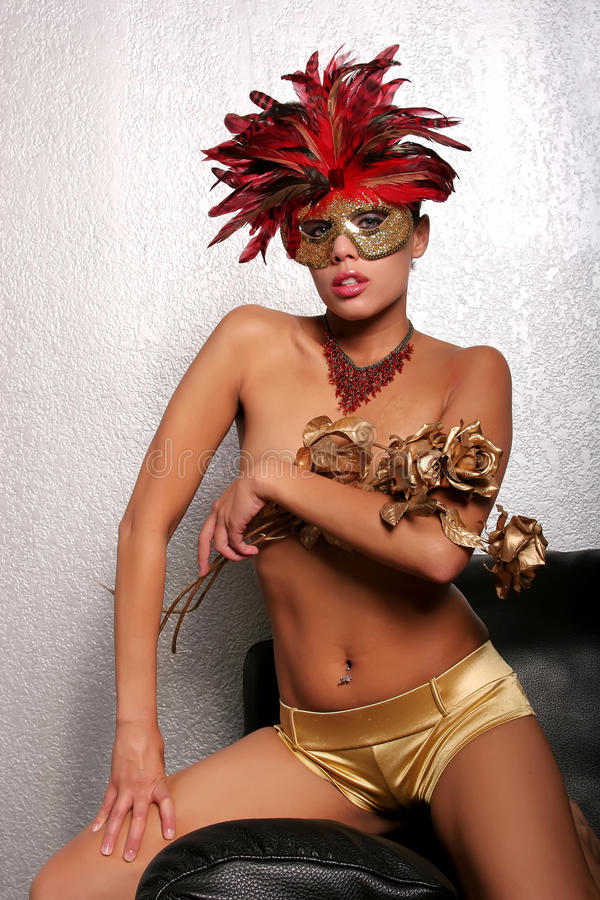 Afrikaanse Amerikaanse vrouw in masker stock foto