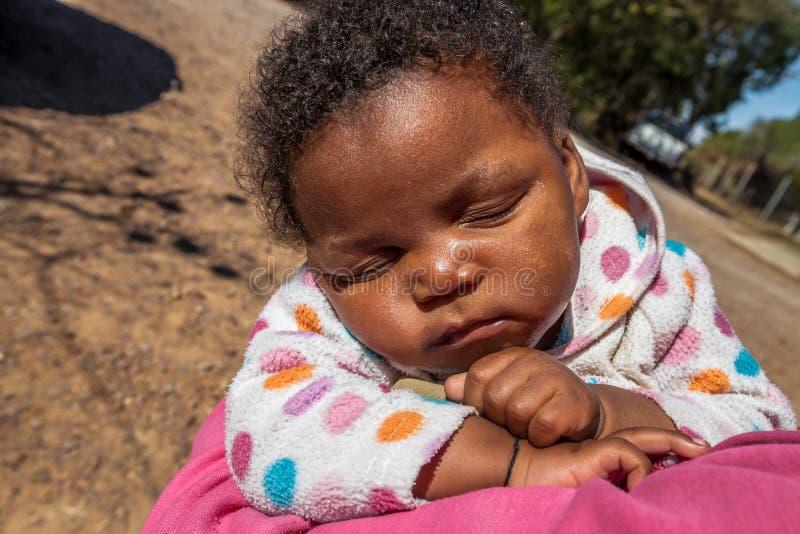 Afrikaanse babyslaap stock afbeeldingen