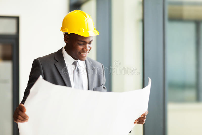 Afrikaanse bouwzakenman royalty-vrije stock foto