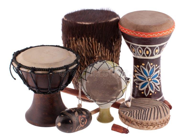 Afrikaanse etnische trommels van verschillende landen royalty-vrije stock afbeelding