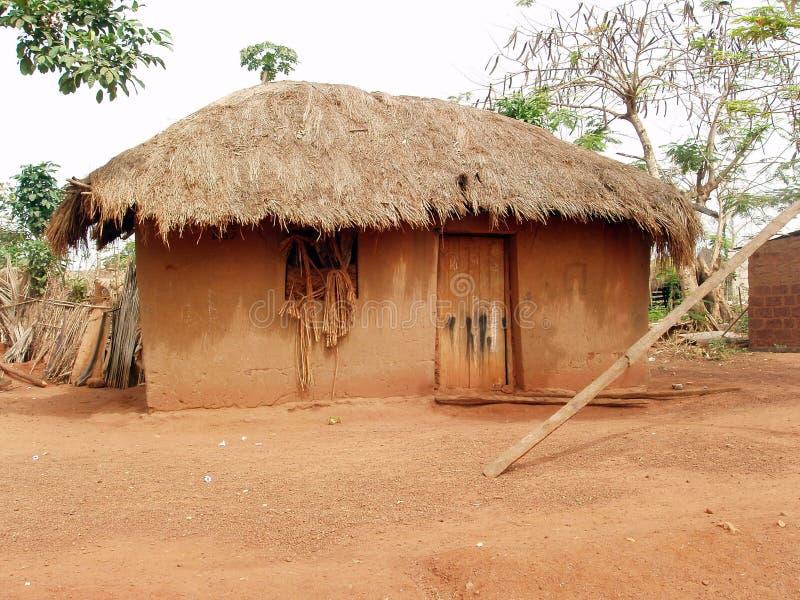Afrikaanse hut stock afbeelding