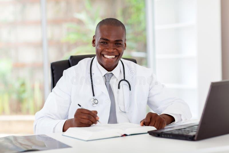 Afrikaanse medische arts royalty-vrije stock foto
