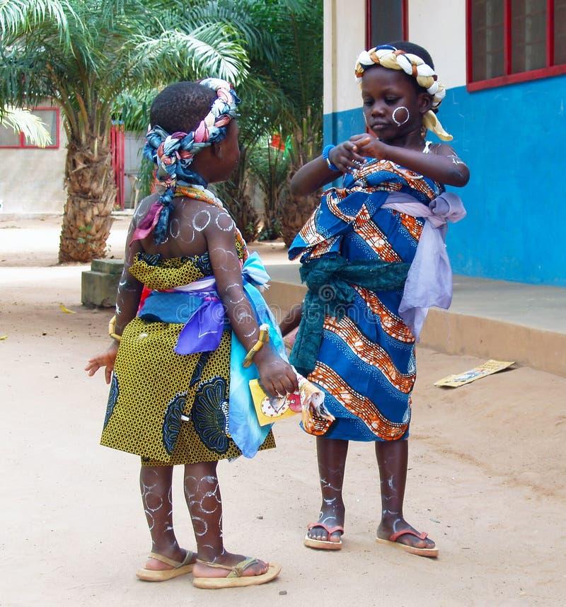 Afrikaanse meisjes - Ghana stock afbeeldingen