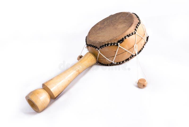 Download Afrikaanse Trommel Op Een Witte Achtergrond. Stock Afbeelding - Afbeelding bestaande uit traveling, painting: 39101877