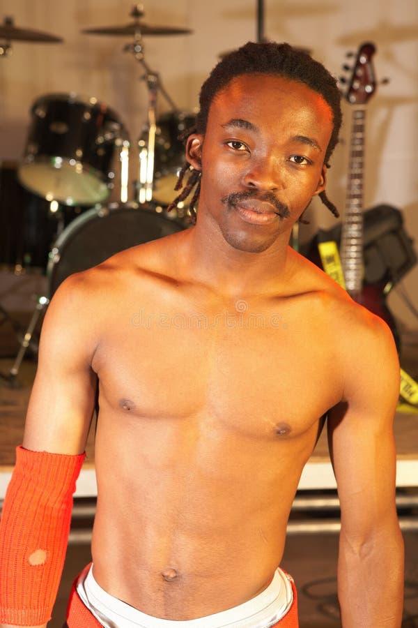 Afrikaanse vrije slag heup-hop danser stock afbeeldingen