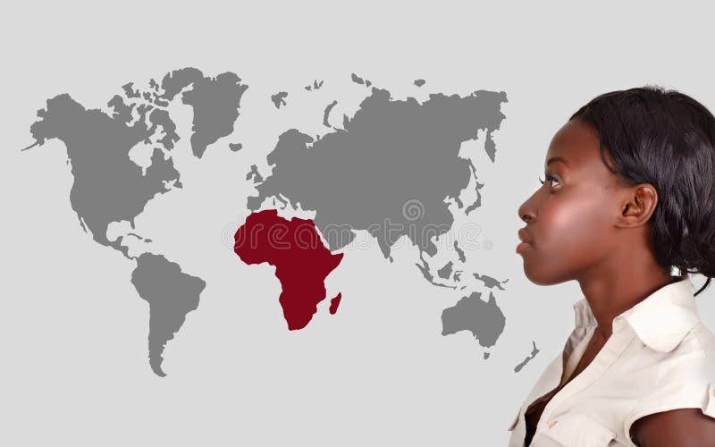 Afrikaanse vrouw en wereldkaart vector illustratie