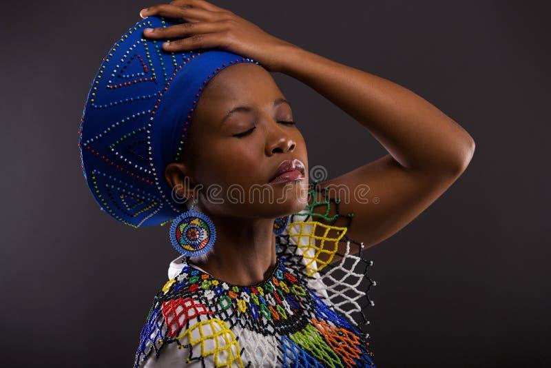 Afrikaanse vrouwen traditionele kleren royalty-vrije stock foto