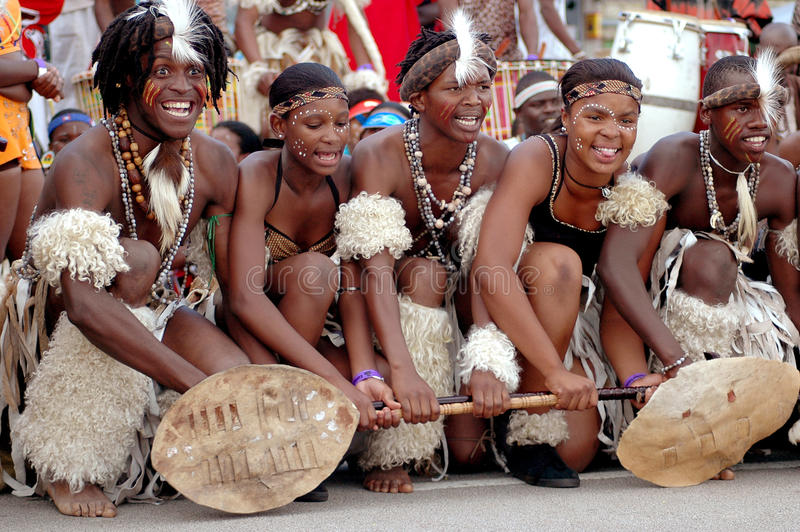 Afrikaanse Zoeloes dansers royalty-vrije stock foto