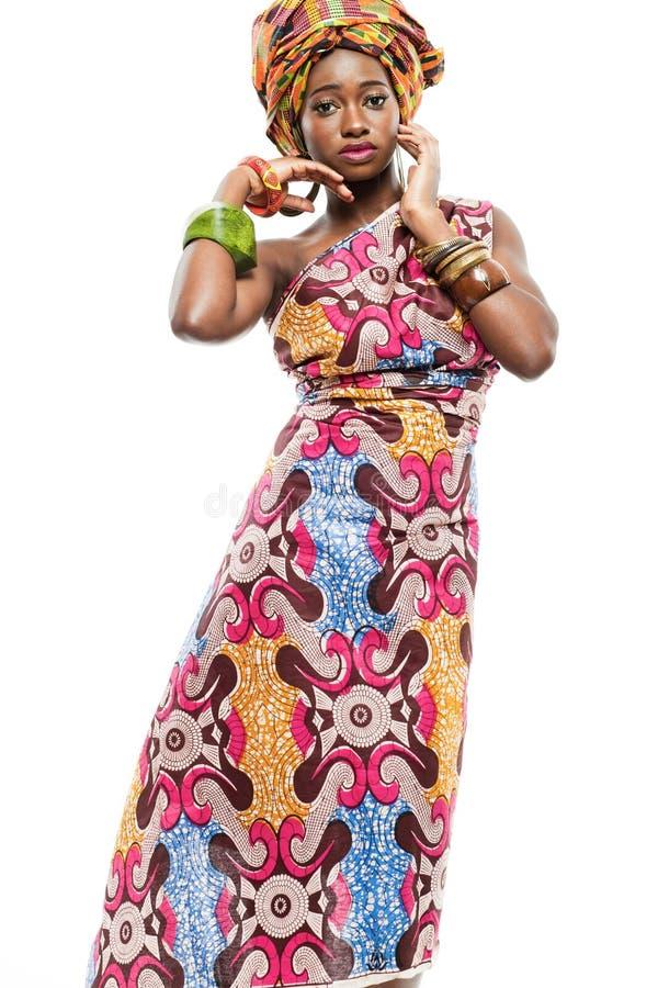 Afrikan-amerikanen danar modellerar. fotografering för bildbyråer