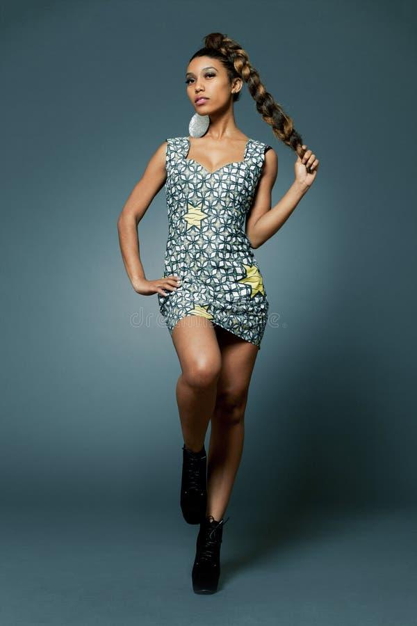 Afrikanisch-amerikanisches Mode-Modell. lizenzfreies stockbild