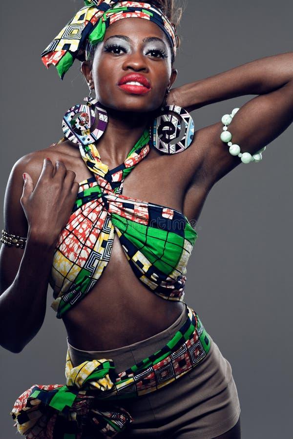 Afrikanisch-amerikanisches Mode-Modell. stockbilder