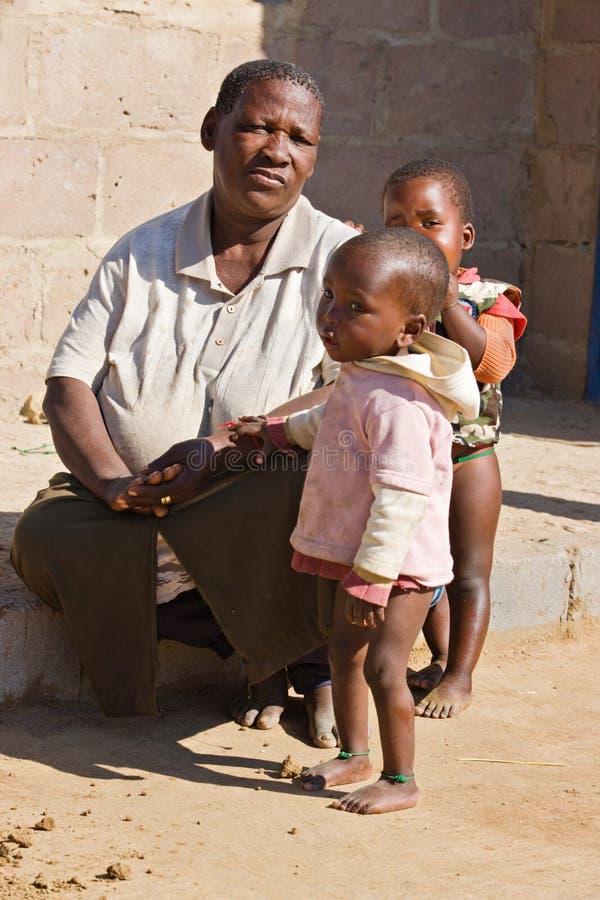 Afrikanische Familie lizenzfreie stockfotografie