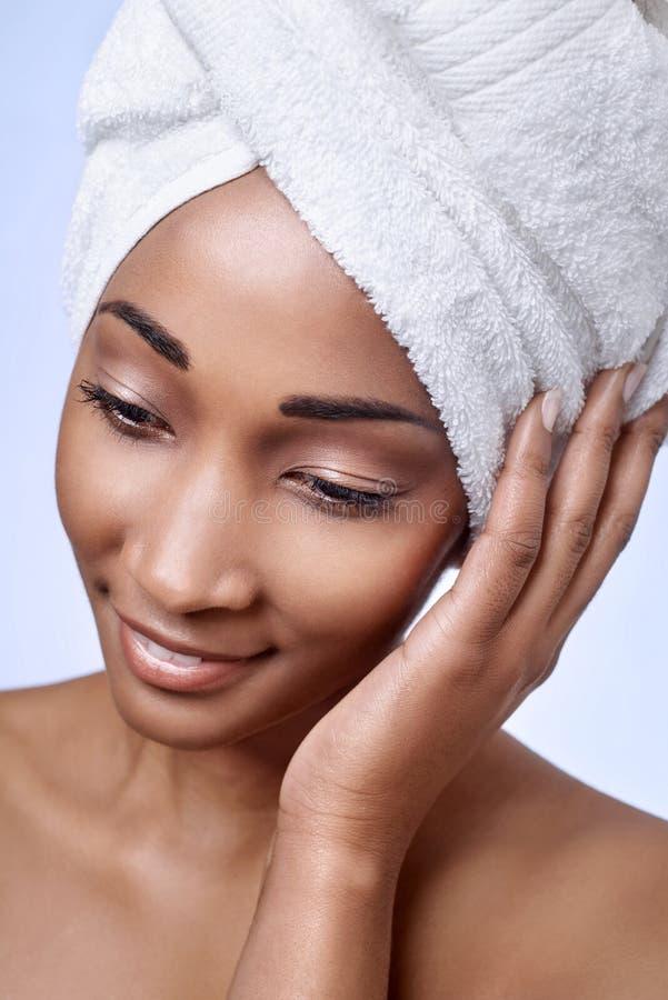 Afrikanische Frauenschönheit lizenzfreies stockfoto