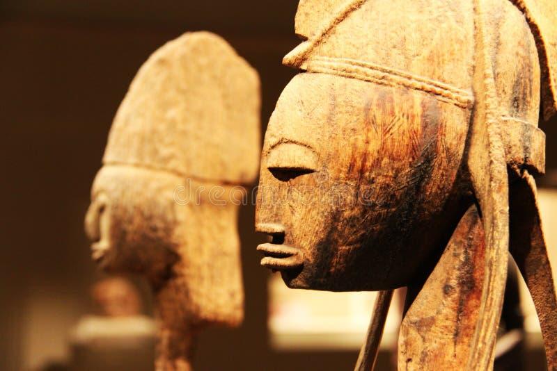 Afrikanische hölzerne Skulptur lizenzfreie stockfotos