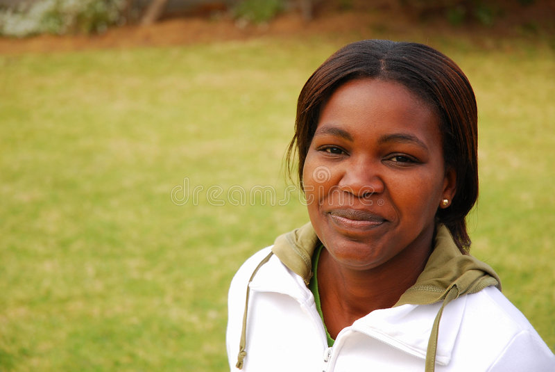 Afrikanische junge Frau stockfotos